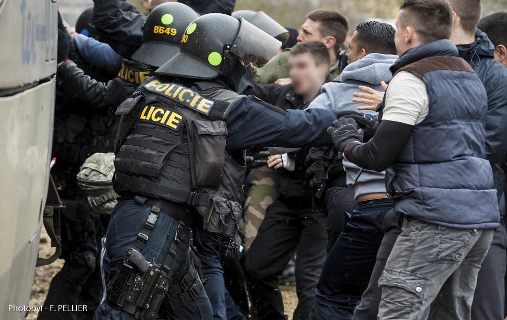 Exercice européen RAILEX 6 de RAILPOL sur la sécurisation du vecteur ferroviaire à SENS. Sécurisation et préservation de l'ordre public et menaces terroriste. Préparation EURO2016. Elèves adjoints de sécurité de l'école nationale de Police de SENS.  République Tchèque.